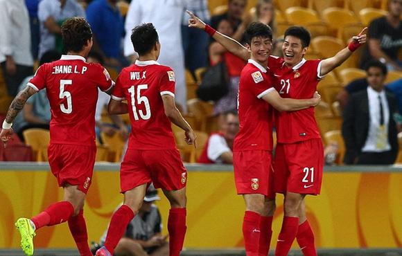 国足沙特队_国足亚洲杯1:0战胜沙特队 三个对手都有麻烦运气来了挡不住