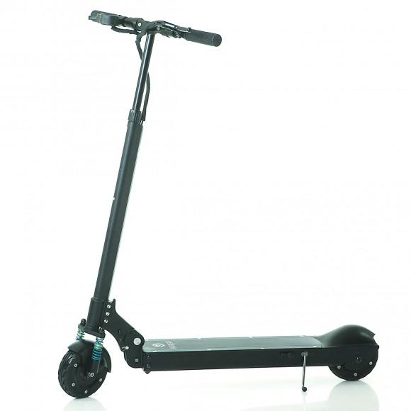 电动滑板车出事惹争议:责任无法认定