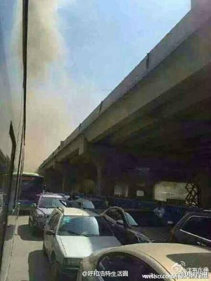 呼和浩特南二环一高架桥发生坍塌