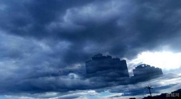 承德海市蜃楼   据悉,海市蜃楼简称蜃景,是一种因光的折射和全