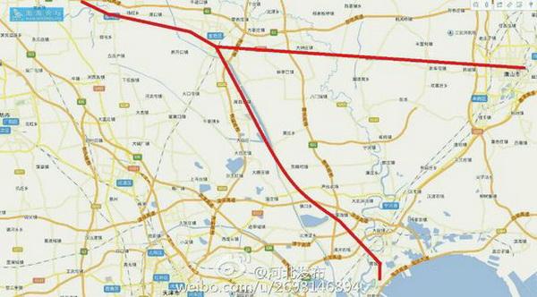 铁路路线 刘鹏飞表示,按照京津冀协同发展领导小组的总体部署,今年以来,交通运输部抓紧推进京津冀交通一体化率先突破相关工作,有序开展了一系列工作。交通运输部和国家发改委联合编制的《京津冀协同发展交通一体化规划(2014-2020)》,已报送京津冀协同发展领导小组。交通运输部编制的《关于推进京津冀交通一体化政策协调创新的指导意见》,也在今年8月份京津冀交通一体化领导小组第三次会议上原则通过。交通运输部还与三地交通运输主管部门就地方性法规、规章进行了对接,形成了推进地方性法规协同的工作方案。 刘鹏飞指出,目前