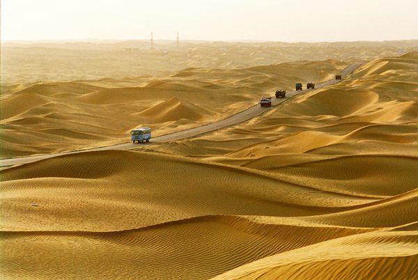揭秘塔克拉玛干沙漠公路绿化工程