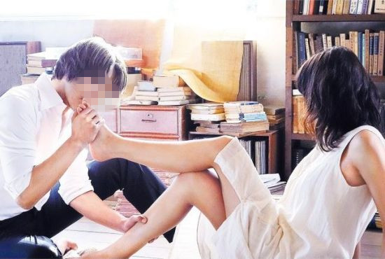 日本乱伦影�_变态日本人搞乱伦激情爱爱 揭秘办公室特殊服