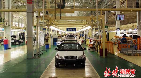 2002年12月23日北京现代索纳塔轿车下线高清图片