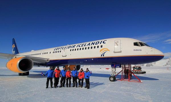 波音客机首降南极 创造航空史上新里程碑