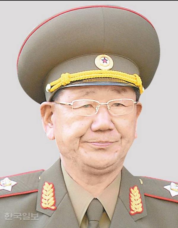 2013年8月接替金格植出任朝鲜人民军总参谋长.
