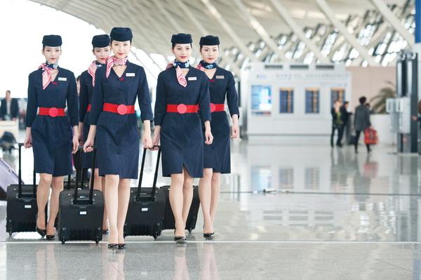 空姐招聘_2016年东航空乘招聘北京举办 测试女性身高有小幅放宽
