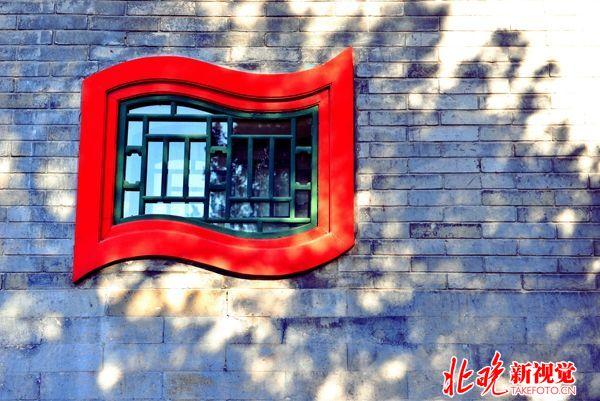 07古典北京-灰墙红窗+张艺军_副本