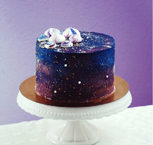 太空主题蛋糕走红 银河系独特卖相美得不要不要的