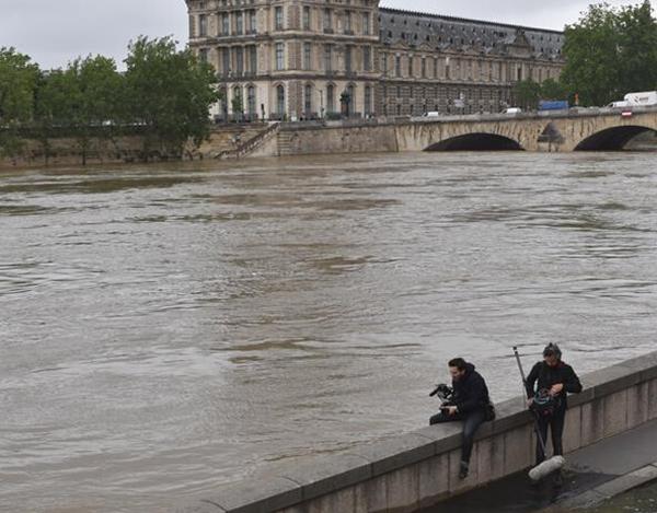 卢浮宫洪水闭馆地下室藏品转移 网友:世界瑰宝一定要看好