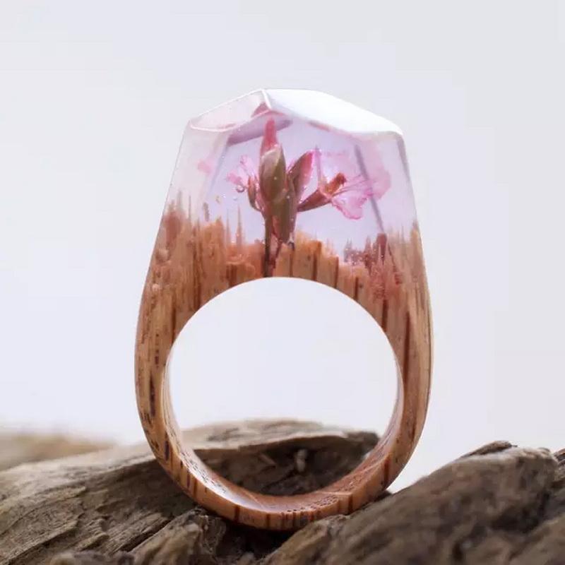 戒指均是全手工制作而成
