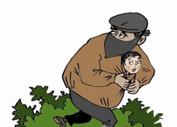 中年男子拐9岁孩 嫌疑人被抓获孩子终于安全回到家人