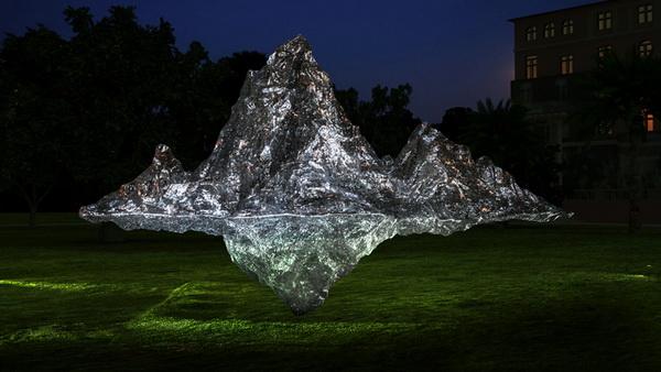 郑路 弘仁山水印象 185×105×130cm 不锈钢 2009_调整大小