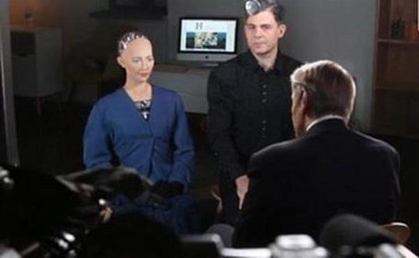 采访机器人被调戏 语不惊人死不休老司机一脸懵像