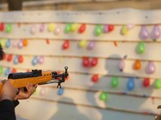 老太摆射击摊获刑 6支枪形物被鉴定为枪支