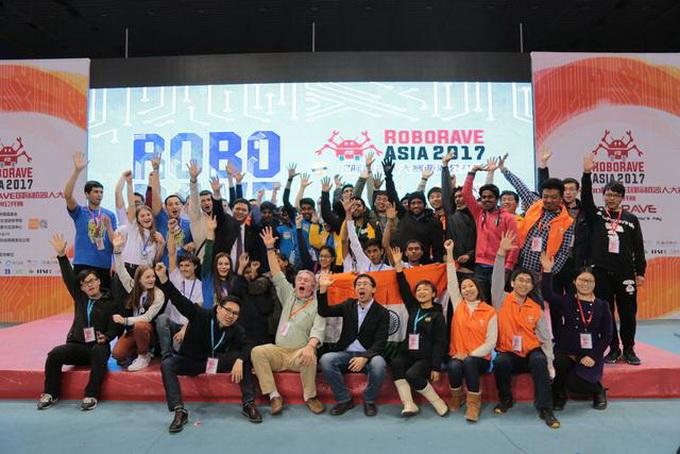 由4名江苏省如东县景安小学学生组成的队伍,夺得骑士比武挑战赛小学组