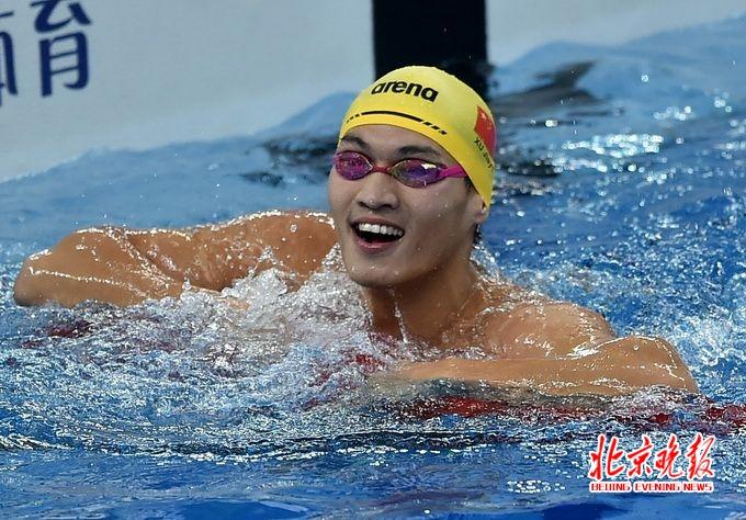 全国游泳冠军赛徐嘉余三项破纪录