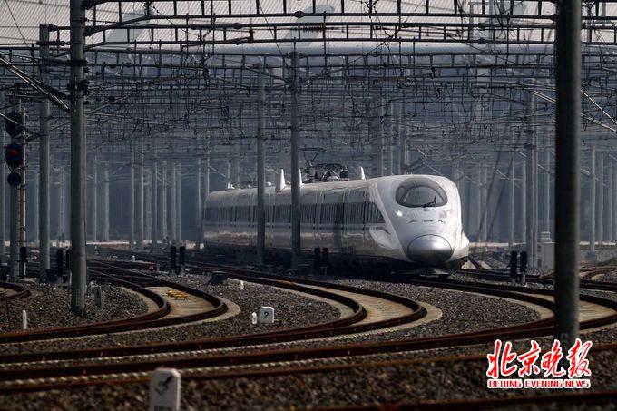 兰州至北京高铁列车运行时间将进一步压缩