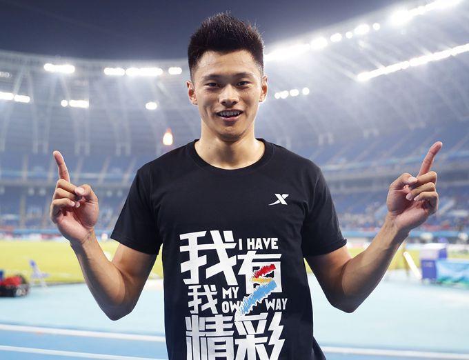 谢震业一年四夺全国冠军 领军中日百米竞争