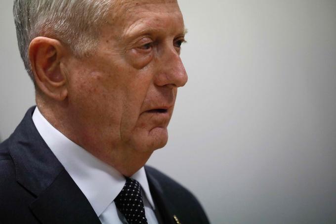 美防长突访阿富汗 塔利班武装发动袭击称目标为马蒂斯一行
