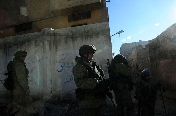 俄罗斯士兵向同伴开火致3死2伤:在围堵中被击毙 事件原因尚不明确