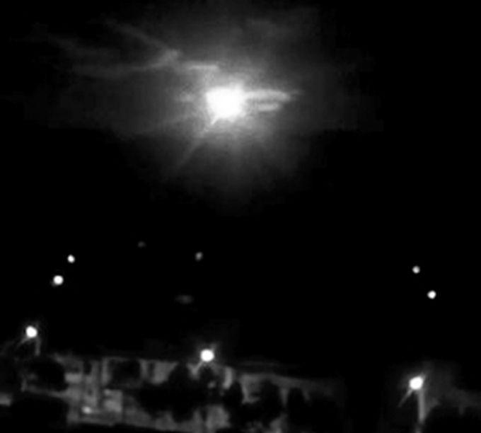 小行星中秋夜坠落香格里拉 爆炸当量相当于540吨TNT图片