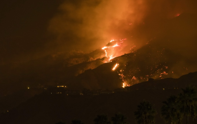 野火_美国加州史上最致命野火致38人遇难10万居民撤离