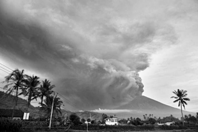 巴厘岛火山喷发 是印尼129座活火山之一