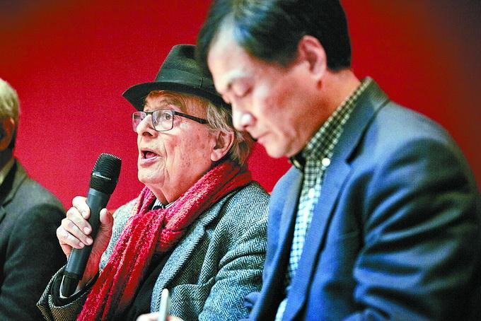 香港国际诗歌之夜:阿多尼斯VS谷川俊太郎