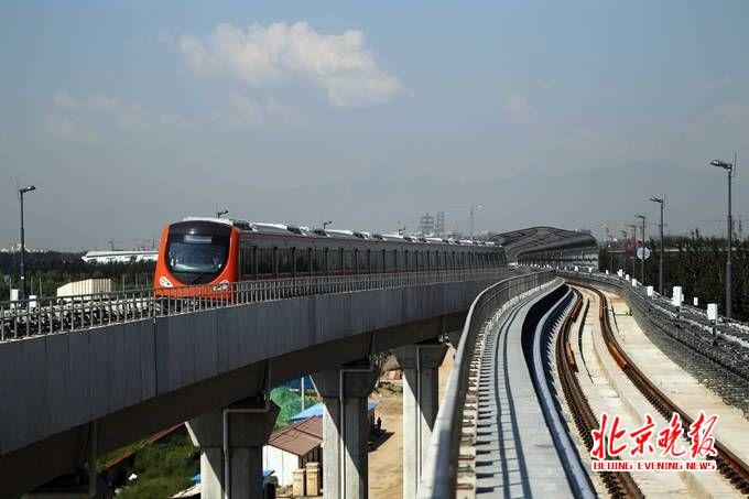 北京地铁房山线_资料图地铁房山线 程功摄