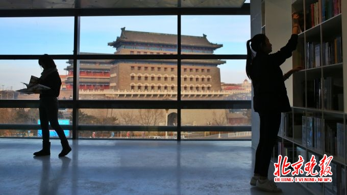 """手机幸运飞艇开奖记录:前门胡同老砖墙里""""长""""出共享办公_西打磨厂成了新景点"""