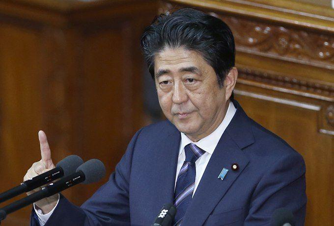 急速赛车一分钟开奖:日本首相安倍晋三访问福岛_表示将尽全力重建灾区