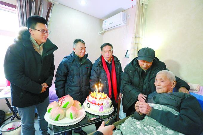 重庆时时彩助手老版本:北京城哪年开始通电的?三代老电工讲述京城百年供电史
