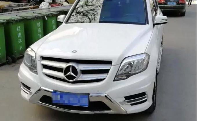 北京赛车技巧心得:奔驰车尾灯有苍蝇_被告认为:原告不能证明苍蝇是在生产中进去的