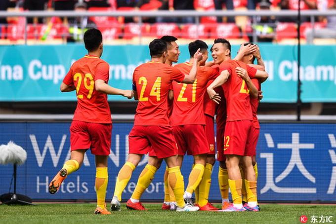 皇家彩票网官方网站:国足名单新增两人_U19亚青赛中国队力争世青赛入场券