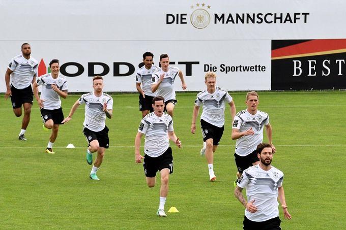德国7-1轻取U20:门神诺伊尔伤愈复出 六人进球萨内梅开二度