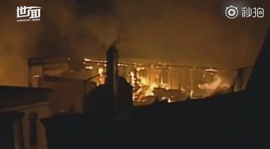 美国威斯康星发生天然气爆炸 现场火光四起如同战区