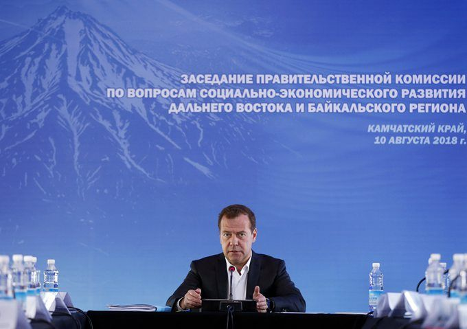 俄总理回应美制裁:美国限制俄罗斯银行运营 将被视为打经济战(原创)