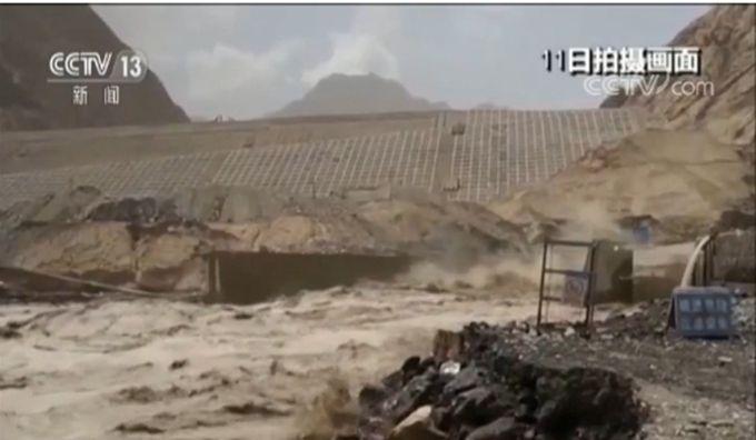 昆仑山融雪性洪水 洪水顺流而下致使叶尔羌河水位迅速上涨(原创)