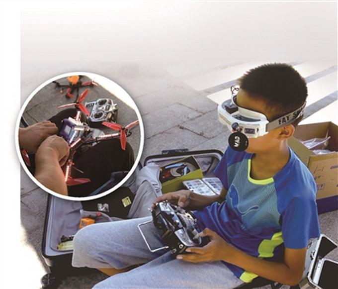 """无人机飙进国家队?13岁男孩一天""""炸机""""上百次 即将参加世界 第1张"""