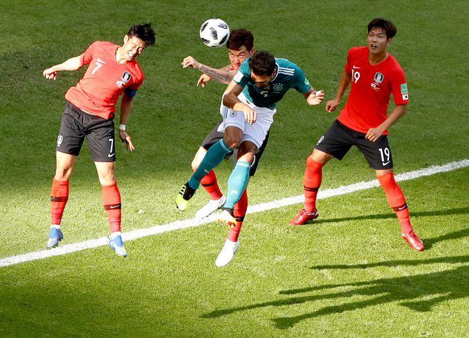 韩国球员夺冠奖金 球迷:这些球员更在乎可以免除兵役吧?(原创)