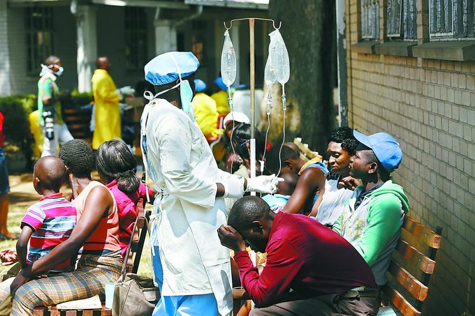 副总统:津巴布韦暴发霍乱:已致21人死亡 首都哈