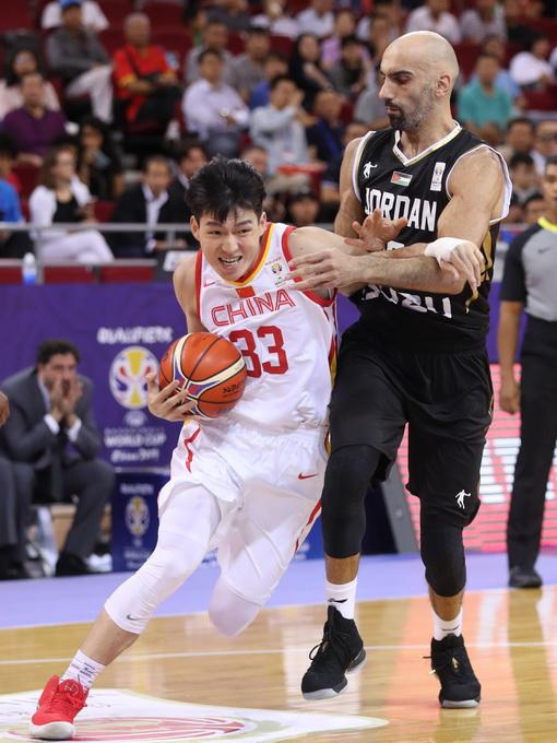 中国男篮世预赛五棵松赢