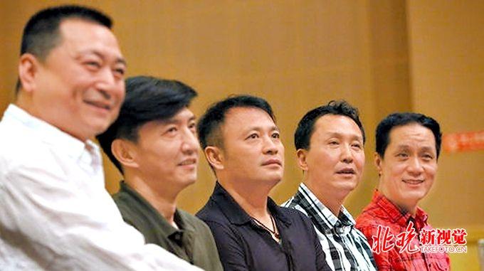 国庆期间,经典话剧《哗变》再登北京人艺舞台