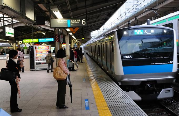 日本地铁_新闻 国际  日本东京地铁早高峰最拥挤的\