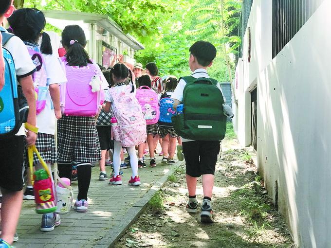 小区幼儿园是配套 全国1.84万小区配套幼儿园有问题,超6成移交不到位