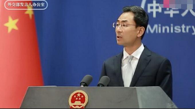 """新冠病毒来自中国""""生物战计划""""?外交部回应西方攻击"""
