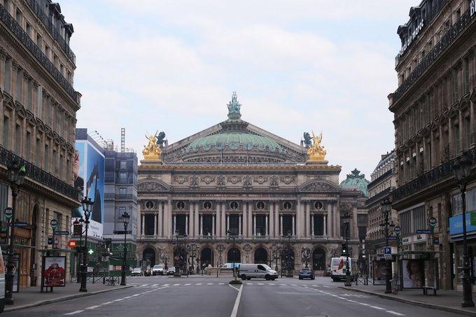 法国部分城市宵禁 政府承认口罩储备不足