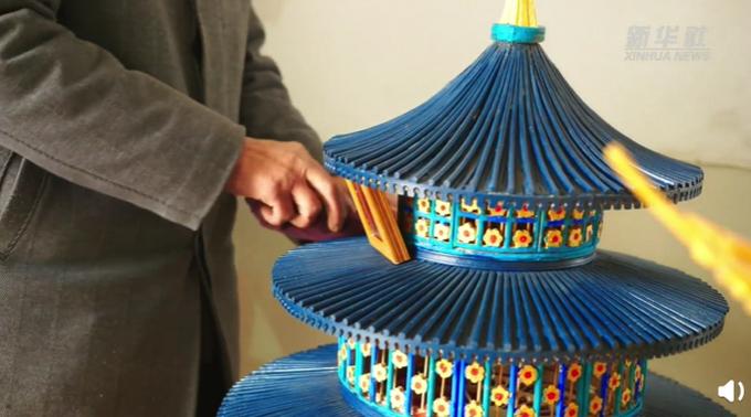 老大爷用1万多双筷子搭出天坛,