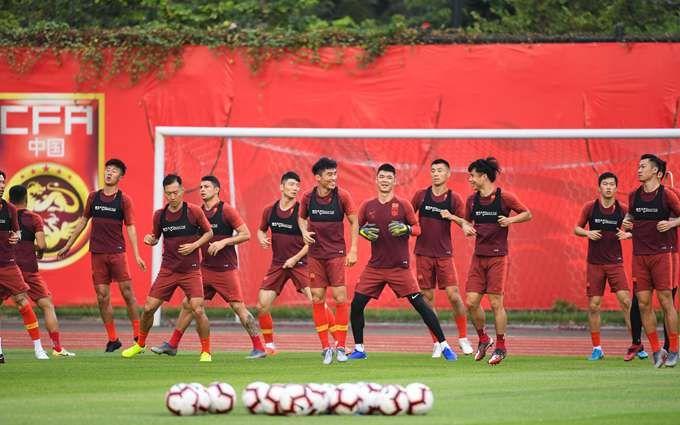 国足倾向本土教练 球迷:换了主教练国足就能顺利晋级亚洲区12强赛吗?